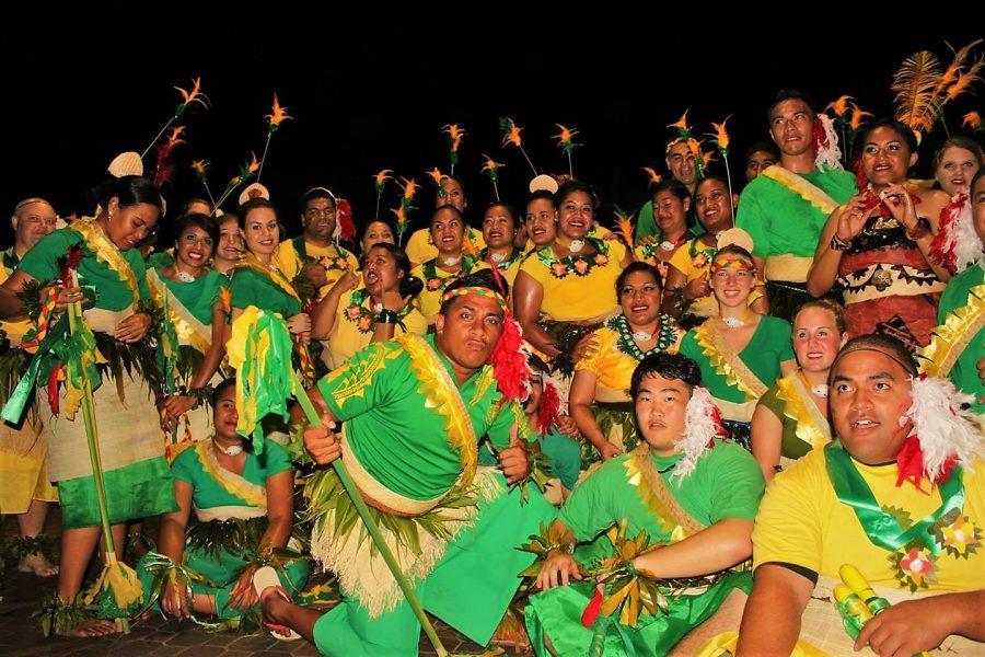 ハワイの民族衣装画像