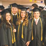 LDSBC卒業式の写真